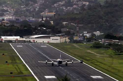The 7 scariest airport runways